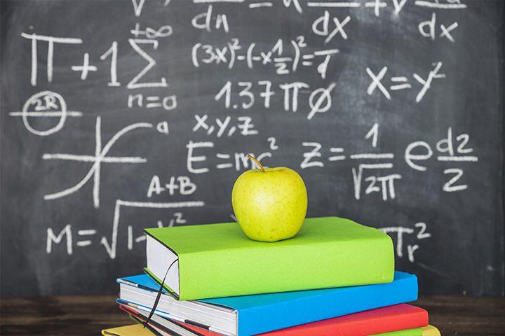 Aula Matemática Quadro Negro Estudo Livros Preview